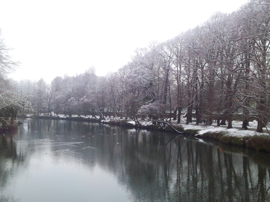 Taff river in Cardiff snow 3